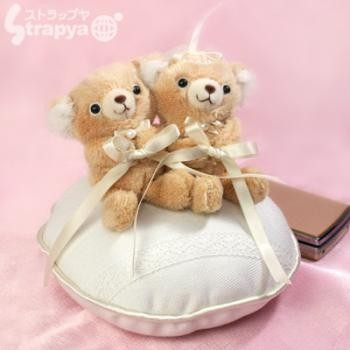 COBECOBE Plush Doll Wedding Ring Pillow (Natural)